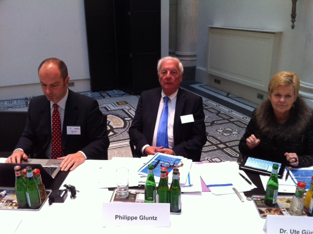 Von links, Luigi Amati (Vizepräsident BAE), Phillipe Gluntz (Präsident BAE), Dr. Ute Günther (Vizepräsidentin BAE und Vorstand BAND)